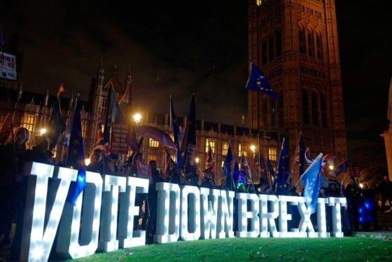 지난해 12월 10일 영국 런던 국회의사당 앞에서 반(反) 브렉시트 시위대가 시위를 벌이고 있다. /AFPBBNews=뉴스1