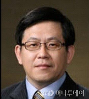박종진 전남대 고분자 융합소재공학부 교수. 사진제공=전남대.