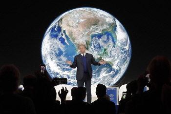 지난달 22일(현지시간) 스위스 다보스에서 열린 '세계 경제 포럼(WEF,다보스 포럼)' 연례 총회에서 앨 고어 전 미국 부통령이 '지구 보호'에 관한 주제로 연설하고 있다./사진=AP/뉴시스
