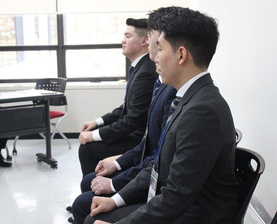 고용절벽에 선 청년, 압박면접 노하우를 배우다