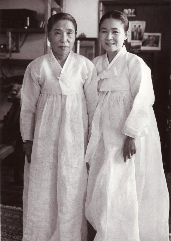 만정 김소희(왼쪽)과 안숙선. /사진제공=현대차 정몽구재단