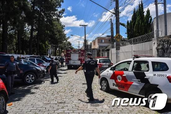 총격사건이 벌어진 브라질의 초등학교. © AFP=뉴스1