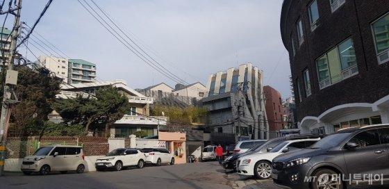이종석 한남동 소유 주택 인근 상권/ 사진=조한송 기자