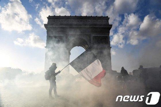노란조끼 시위대. © AFP=뉴스1