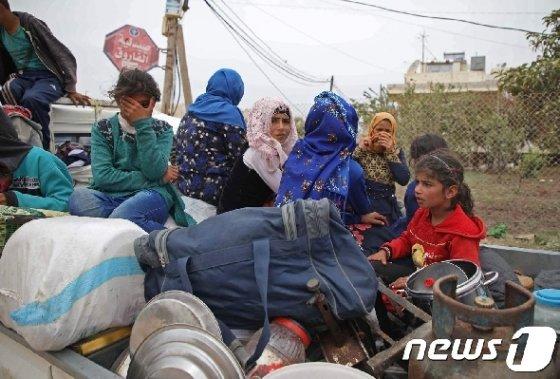 이들리브를 떠나는 시리아 주민들 © AFP=뉴스1