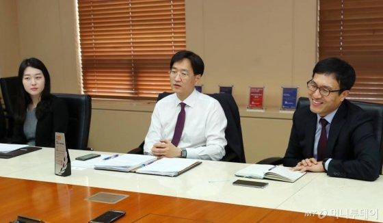 왼쪽부터 백새봄, 장상균, 김성수 변호사/ 사진=김휘선 기자 hwijpg@