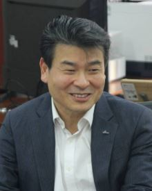 이성용 신한금융 미래전략연구소장 / 사진제공=신한금융<br />