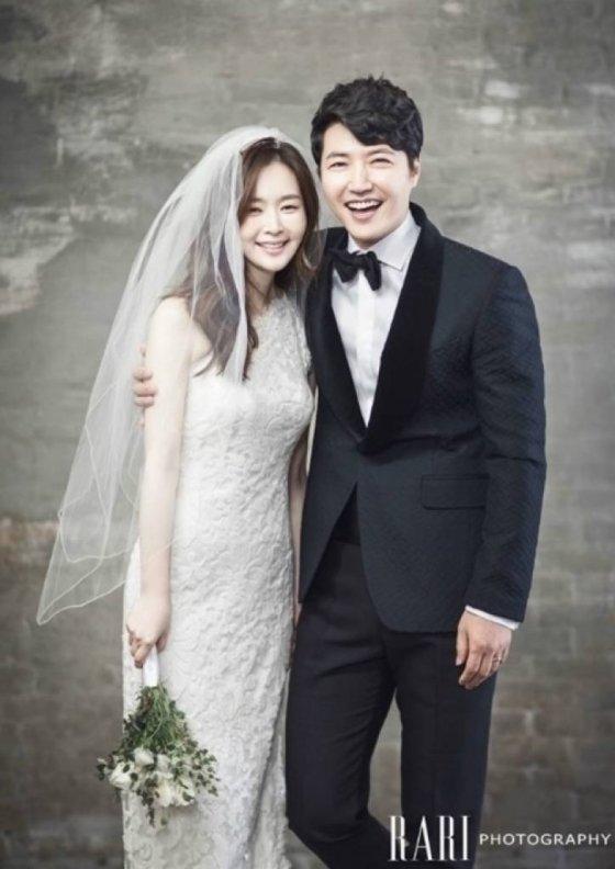 윤상현 메이비 결혼사진/사진제공=라리스튜디오