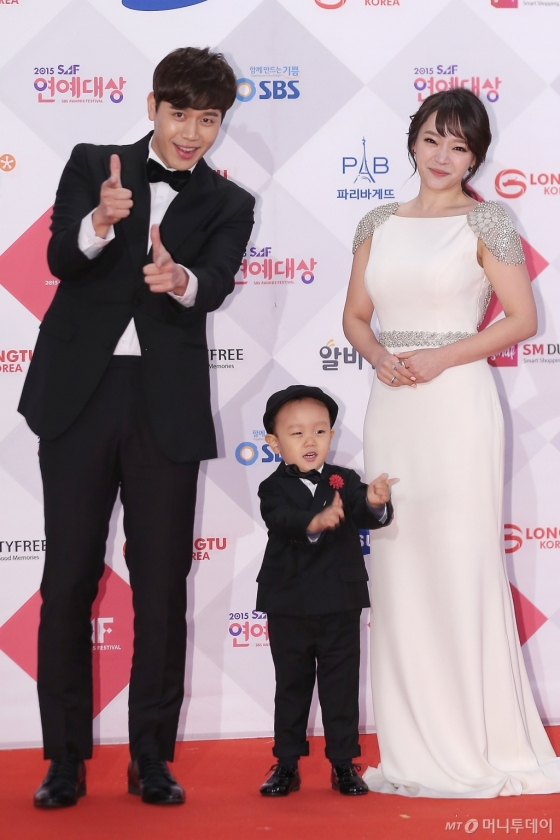 2015 SBS 연예대상 당시 김소현 손준호 부부와 아들 손주안 모습 /사진=머니투데이 DB