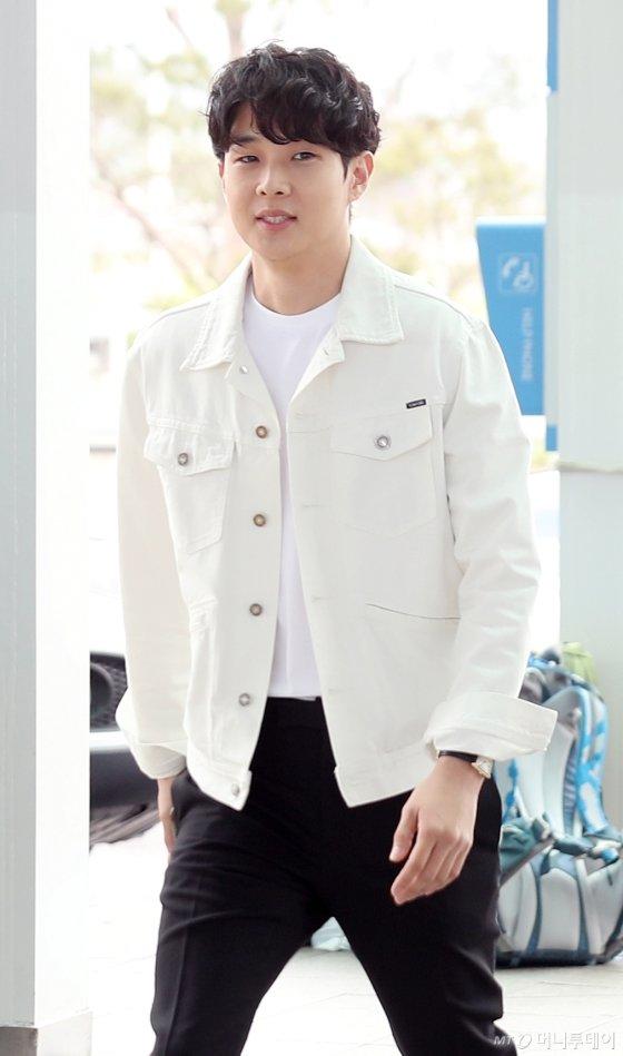 배우 최우식