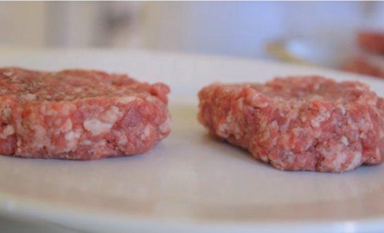 모사미트에서 만든 소고기 배양육. /사진=모사미트 유튜브 캡처