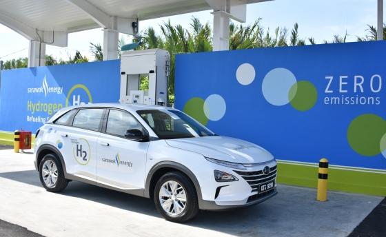 말레이시아 동부 사라왁주(州) 쿠칭에서 열린 동남아시아 첫 수소충전소 개소식에서 현대차 넥쏘가 전시돼 있다./사진제공=현대차