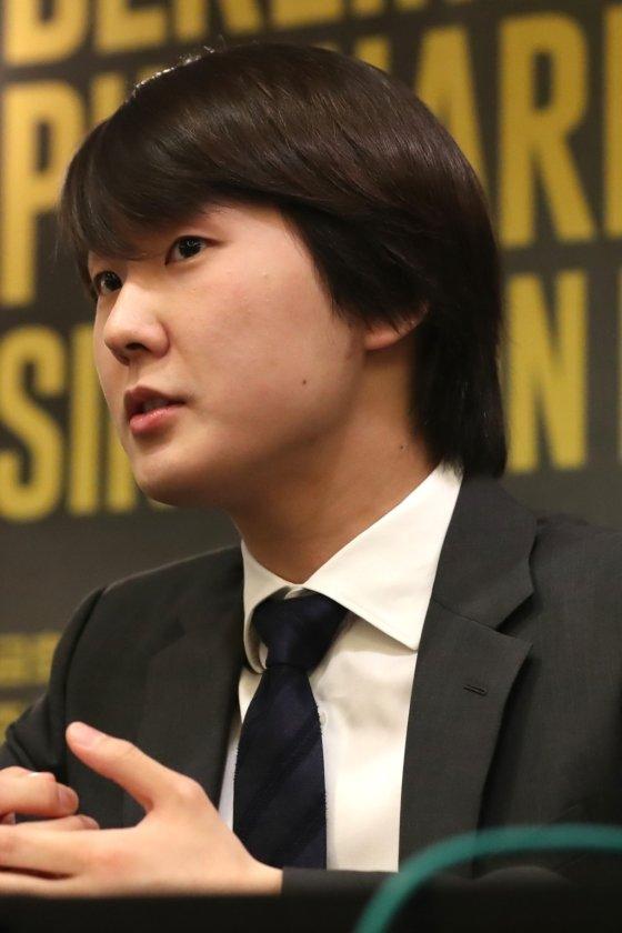 2015년 쇼팽 콩쿠르에서 한국인으로는 처음으로 우승을 차지한 피아니스트 조성진. /사진=이기범 기자<br>