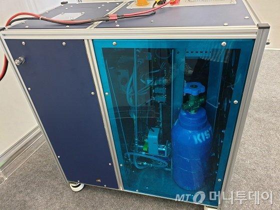 KIST의 암모니아 기반 수소-연료전지 파워팩/사진=김세관 기자.