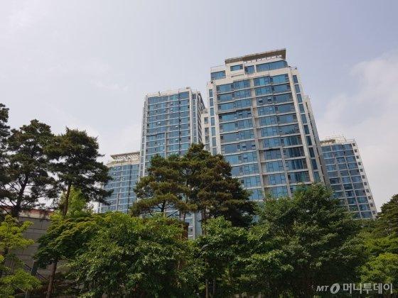 서울숲힐스테이트 단지에서 한강 조망이 가능한 101, 102, 103동 라인 전경. /사진=유엄식 기자