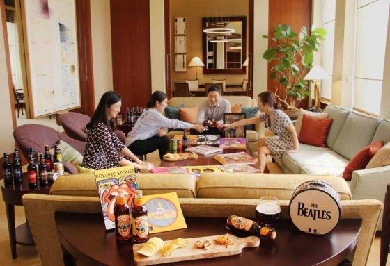 웨스틴조선호텔 서울은 오는 27일부터 한 달 동안 매주 토요일에 스위트룸에서 '브리티시 컬처'를 즐길 수 있는 프로그램을 진행한다. /사진=신세계조선호텔