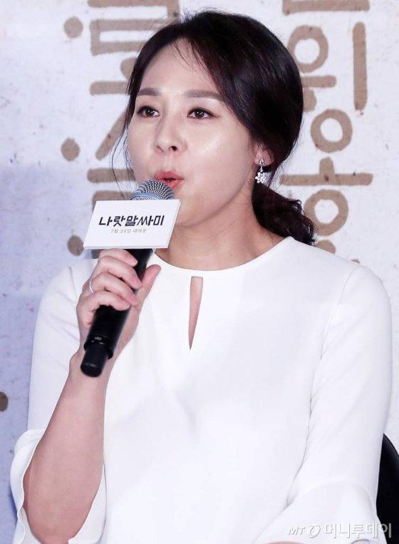 배우 전미선/사진=김휘선 기자