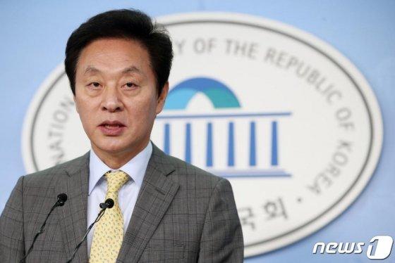 정두언 전 새누리당(자유한국당 전신) 의원의 생전 모습./사진=뉴스1