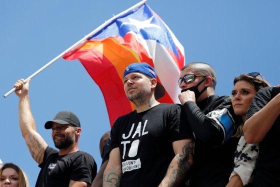 푸에르토리코 주지사 사퇴 시위에 참여한 가수 리키 마틴. /사진=로이터