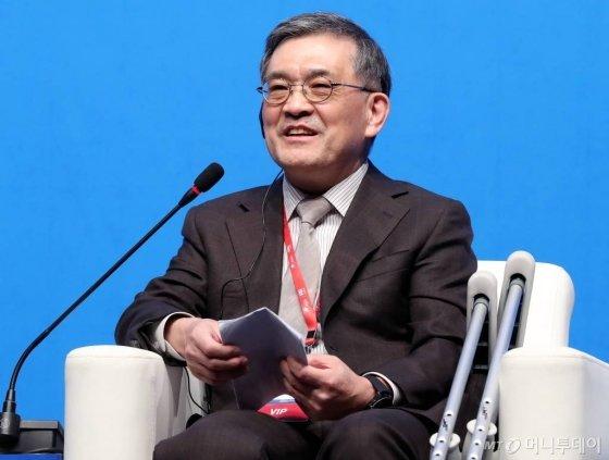 권오현 삼성전자 회장이 지난해 11월 20일 오후 서울 장충동 신라호텔에서 열린 '보아오 아시아 포럼 서울회의 2018'에서 연설하고 있다./사진=홍봉진 기자