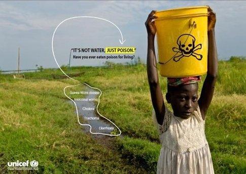 매일 함부로 쓰는 물은, 먼 곳에 사는 누군가에겐 아주 귀한 물이다. 물을 얻기 위해 평균 10km 이상을 매일 걷기도 한단다./사진=유니세프