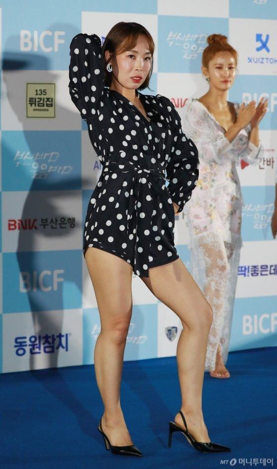 [★화보]김지민도 혀 내두른 오나미 패션센스