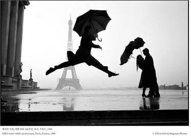 엘리엇어윗, 에펠 타워 100주년, 파리, 프랑스, 1989 ⓒ Elliott Erwitt/Magnum Photos