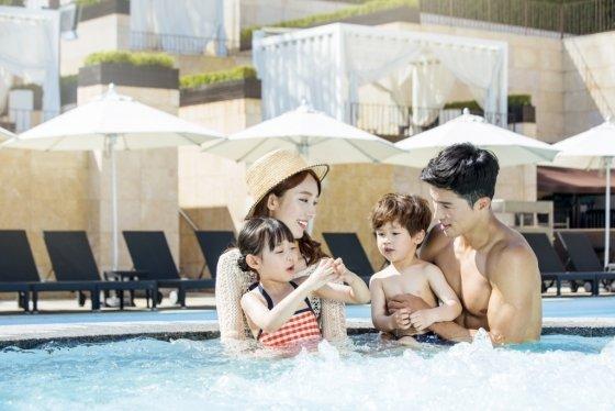 반얀트리는 호텔 내에서 피트니스와 수영을 즐길 수 있는 추석 패키지를 선보였다. /사진=반얀트리클럽앤스파