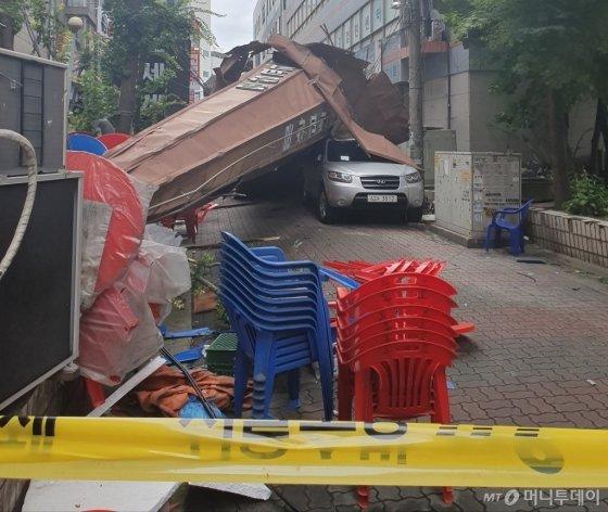 7일 오전 11시53분 서울 도봉구 창동 소재 교회 첨탑이 강풍에 붕괴됐다. /사진=김상준 기자
