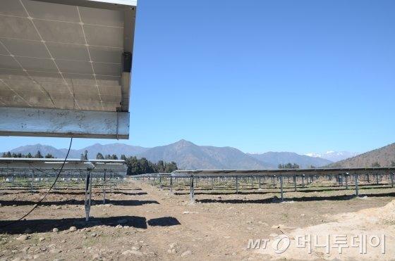 칠레 오이긴스주 렝고 인근에 한국동서발전이 건설 중인 8㎿급 링코나다(rinconada) 태양광발전소 전경. /사진=유영호 기자 yhryu@