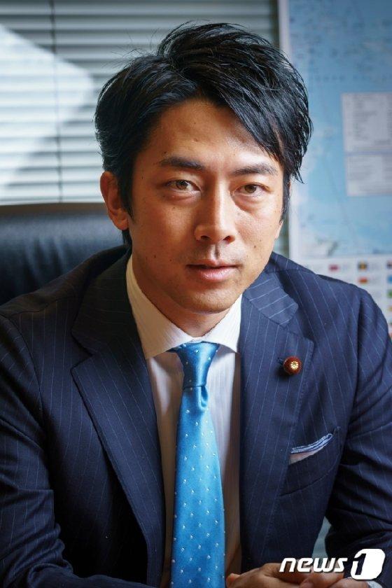 고이즈미 신지로(小泉 進次?·38) 신임 환경상. © 뉴스1
