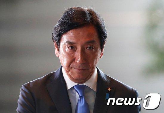 스가와라 잇슈(菅原一秀) 일본 신임 경제산업상. © 로이터=뉴스1