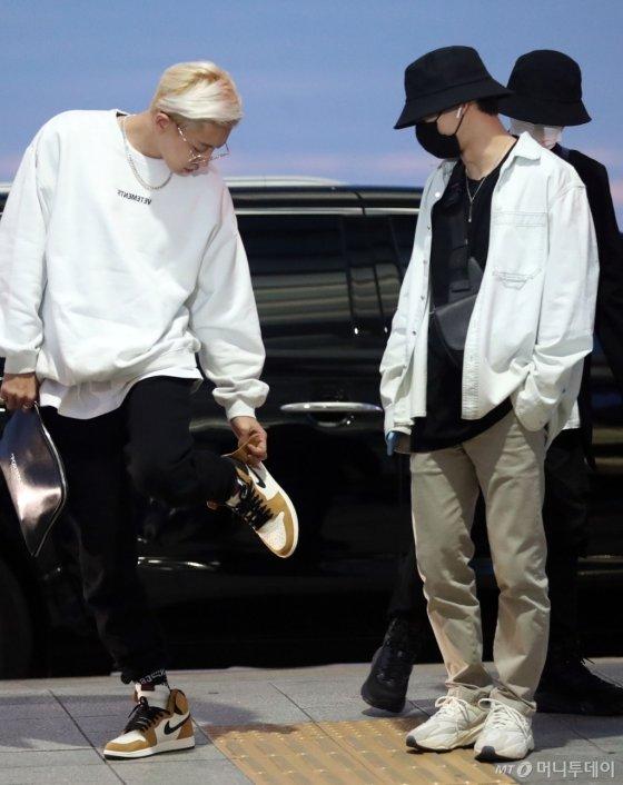 [사진]엑소 '공항에서도 멋진 상남자들'