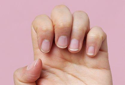 짧고 뭉툭한 손톱, 예쁘게 기르는 법 없나요?