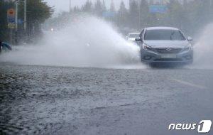 태풍 '타파' 전국 영향권... 강풍에 많은 비