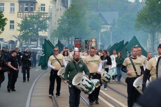 지난 5월 1일 독일 작센주의 플라우엔시에서 극우 성향의 독일 시민들이 시위에 나섰다. /사진=AFP
