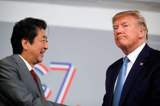 아베 신조 일본 총리(왼쪽)과 도널드 트럼피 미 대통령. /사진=로이터