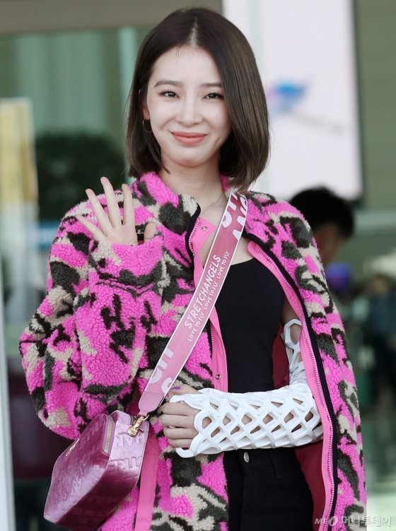 [★화보]아이린 '깁스도 패션'