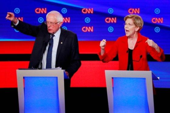 지난 7월30일 미국 민주당 대선 경선 토론회에 참여한 버니 샌더스 버몬트주 상원의원(왼쪽)과 엘리자베스 워런 매사추세츠주 상원의원(오른쪽). /사진=로이터