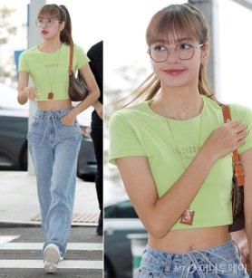 """블랙핑크 리사, 상큼한 크롭트 티 패션…""""잘록한 허리"""""""