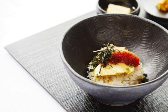 롯데호텔서울 38층에 위치한 한식당 '무궁화'의 청어알비빔밥. /사진=롯데호텔
