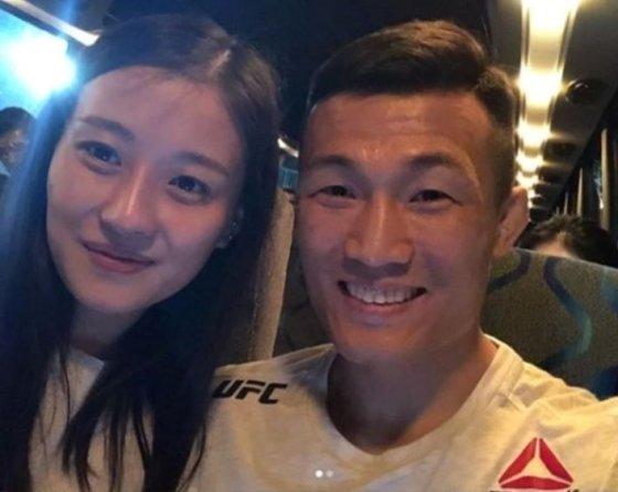 정찬성 아내 박선영씨(왼쪽), 정찬성 /사진=정찬성 인스타그램