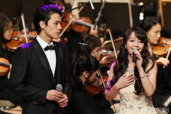 왼쪽부터 뮤지컬배우 손준호, 김소현/사진=최부석 기자