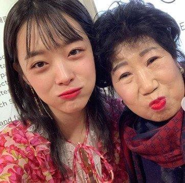 박막례 할머니는 지난 15일 인스타그램을 통해 설리를 향한 애도의 글과 사진을 올렸다./사진=박막례 할머니 인스타그램