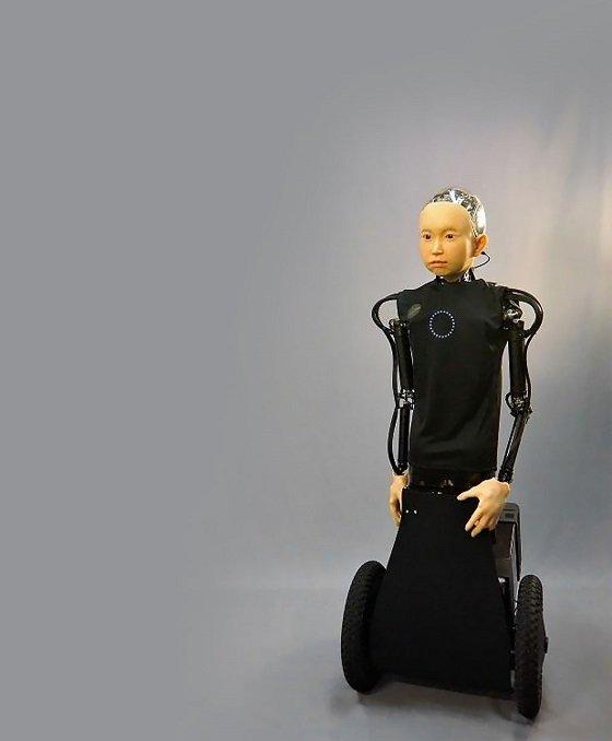 오사카대 지능로봇연구실 이시구로 히로시 박사가 개발한 안드로이드 '이부키'/사진=오사카대