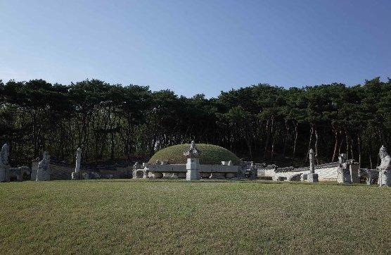 인조와 인조의 첫 번째 왕비 인열왕후의 능인 장릉/사진제공=문화재청