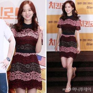 '치킨로드' 강한나, 배색 레이스 원피스 패션