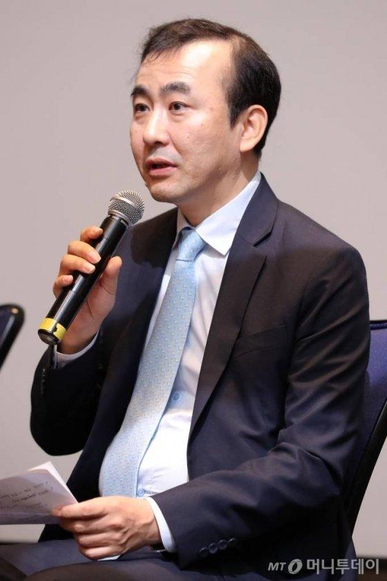 이세훈 금융위원회 금융정책국장이 22일 서울 종로구 포시즌스 호텔에서 열린 머니투데이 주최 '2019 인구이야기 팝콘(PopCon)'에서 '인구와 금융의 미래'에 대해 토론하고 있다. / 사진=이기범 기자 leekb@
