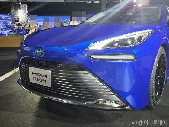23일 '도쿄모터쇼 2019'에서 공개된 토요타 새 수소전기차 '미라이 콘셉트'. /사진=이건희 기자