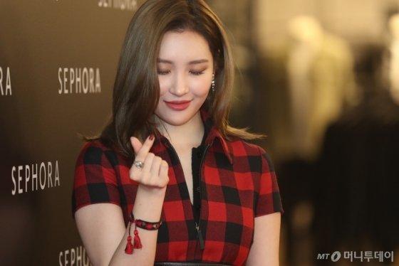[사진]선미 '눈감고 마음을 담아'